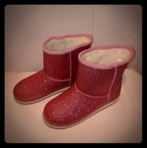 Girls sparkly boots size 4. Never…